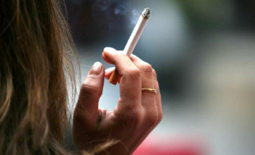 3 Gaya Bebas Yang Biasa Dilakukan Perokok