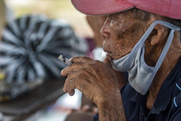 Rokok Membuat Orang Miskin